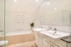 A bathroom at A PERFECT STAY - Sierra Grande