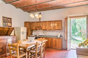 A kitchen or kitchenette at Borgo San Benedetto
