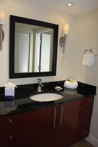 A bathroom at Divi One Bedroom