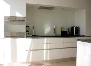 A kitchen or kitchenette at Thorshavnsgade Apartment