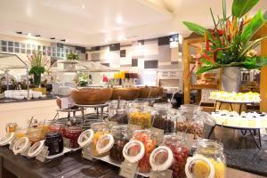 Ein Restaurant oder anderes Speiselokal in der Unterkunft TUI BLUE Khao Lak Resort