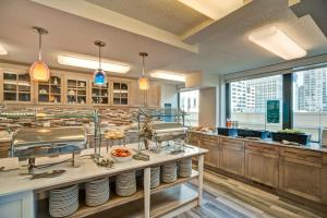 A restaurant or other place to eat at Homewood Suites by Hilton Chicago-Downtown