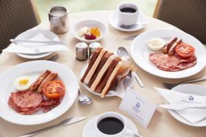 Colazione disponibile per gli ospiti di The Diplomat Hotel