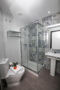 A bathroom at Hostal Boutique Bajamar