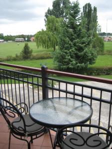 A balcony or terrace at Elite Motor Inn