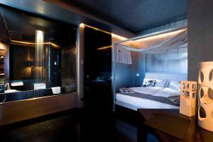 A bathroom at Hotel VdB NEXT