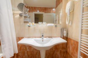 Koupelna v ubytování Ensana Centrální Lázně - Maria Spa