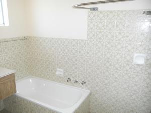 A bathroom at Thurlow Lodge 6