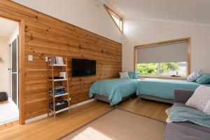 A television and/or entertainment center at Penguin Beach House