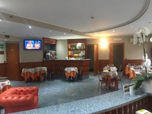 A restaurant or other place to eat at Keb Hotel