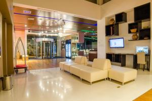 The lobby or reception area at Biohotel Organic Suites