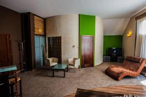 Ein Sitzbereich in der Unterkunft Hotel SenS