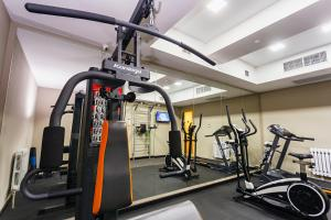 The fitness center and/or fitness facilities at Solutel Hotel