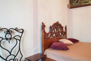 A bed or beds in a room at Apartment with two separate bedrooms in the center of Lviv- Virmenska