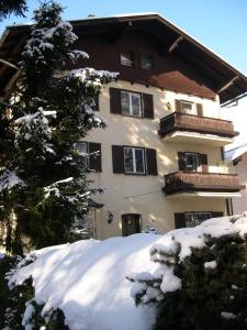 Ferienappartements Brandner during the winter
