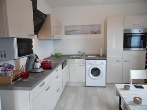 Küche/Küchenzeile in der Unterkunft Kerstins Alte Klempnerei