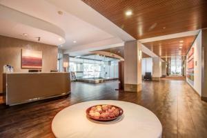 The lobby or reception area at Hilton San Jose