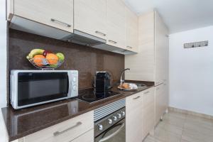 A kitchen or kitchenette at Matarolux 6