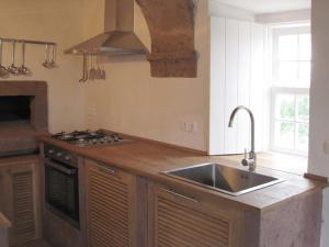 A cozinha ou cozinha compacta de Casa Boavista