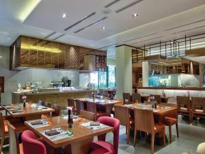 A restaurant or other place to eat at Hilton Colombo Residence
