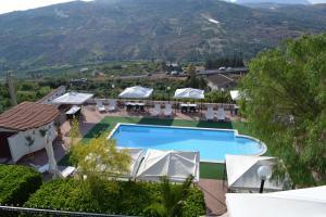 Вид на бассейн в Hotel Miravalle или окрестностях