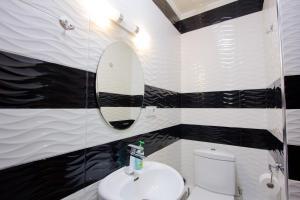 Ванная комната в Center Hotel