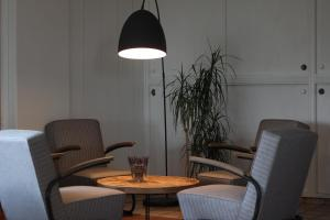 A seating area at Kluppe