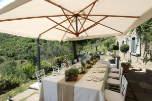 A restaurant or other place to eat at Villa Valerie