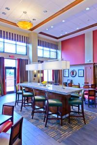 A restaurant or other place to eat at Hampton Inn & Suites Frederick/Fort Detrick