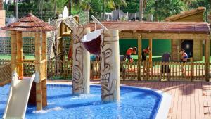 Het zwembad bij of vlak bij Servatur Waikiki