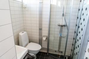 A bathroom at Enoks i Láddjujávri