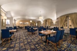 A restaurant or other place to eat at Ramada Loughborough Hotel