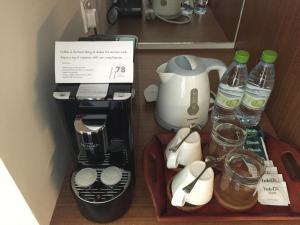 Coffee and tea-making facilities at h78