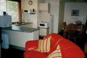 A kitchen or kitchenette at Anoyster on the Beach Sawtell