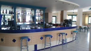 Лаундж или бар в Santa Marina Hotel