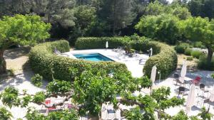 A view of the pool at Canto Cigalo or nearby