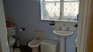 A bathroom at Hethersett Lodge
