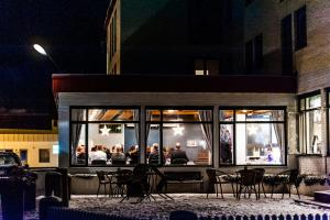 A restaurant or other place to eat at Tynset Hotel