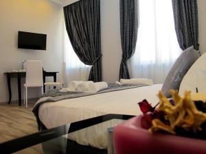 A room at Roma Veneto Relais