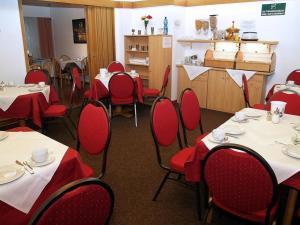 Ein Restaurant oder anderes Speiselokal in der Unterkunft Altstadthotel Wienecke