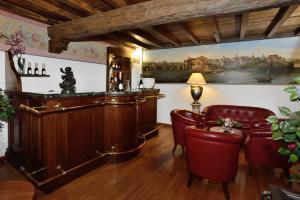 Salon ou bar de l'établissement Hotel Pantheon