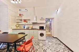 A kitchen or kitchenette at Hipstel