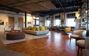 The lounge or bar area at 250 Main Hotel