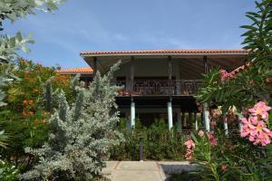 A fachada ou entrada em Blue Bay Beach Villas