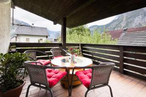 A porch or other outdoor area at W & S Executive Apartments - Hallstatt I