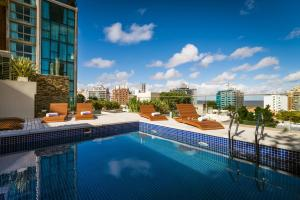 A piscina localizada em Own Montevideo ou nos arredores