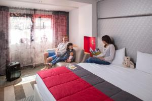 Guests staying at Mercure Paris Montmartre Sacré Coeur