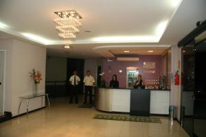 The lobby or reception area at Thile Park Hotel