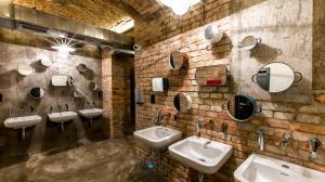 A bathroom at Czech Inn