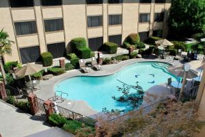 A view of the pool at University Square Hotel or nearby